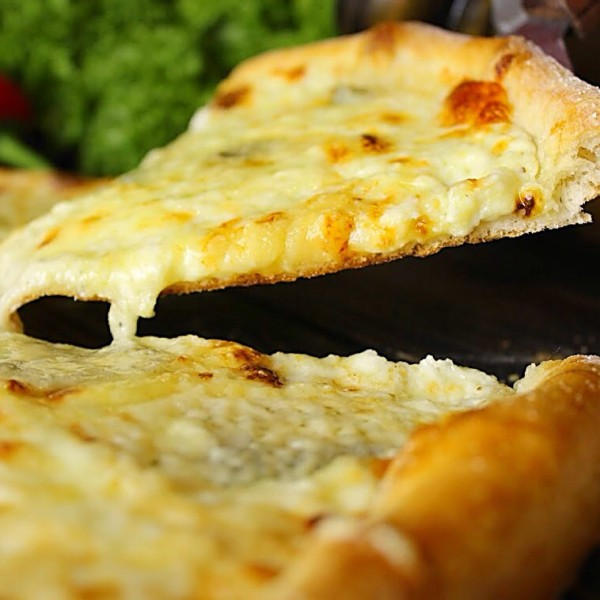 Pizza 6 Cheese